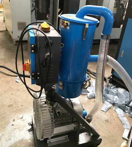 Auto material feeder for extrusion blow molding