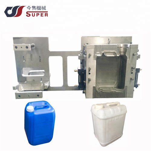 Blow mold for jerry can